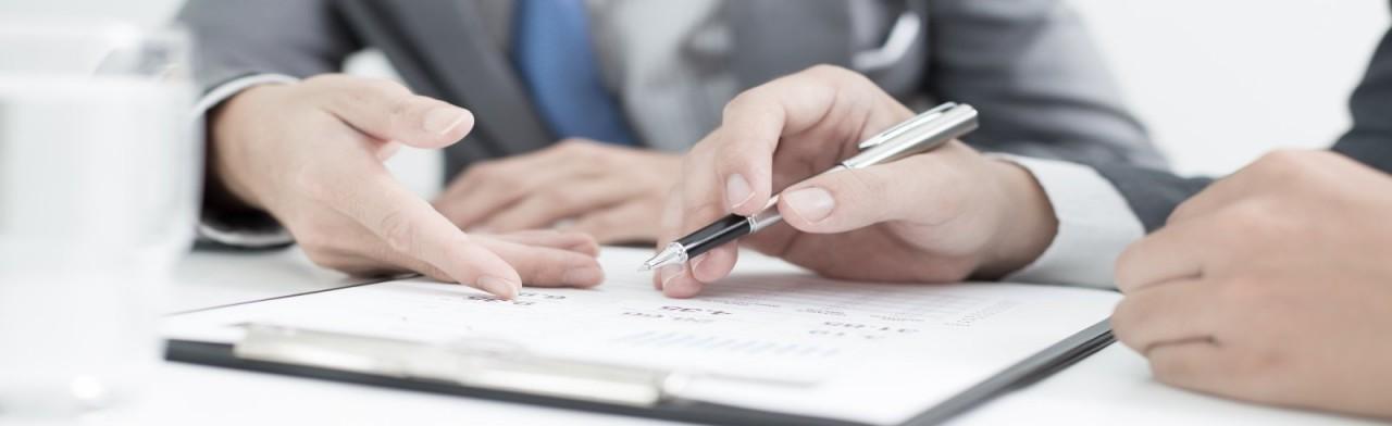 Увольнять или отстранять иностранного работника при истечении срока действия патента