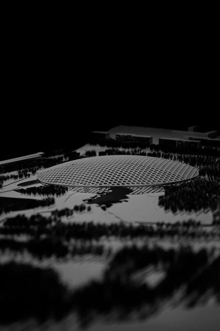 """Проект парка-теплицы в МурманскеВ Мурманске планируется создать новое масштабное общественное пространство. Согласно концепции """"Долина уюта"""", разработанной архитектурным бюро Gutarqs, для конкурса организованного Правительством Мурманской области и Центром городского развития Мурманской области, площадь порядка 23 гектаров предполагается превратить в популярное место, адаптированное к климату Заполярья.Центральным объектом парка станет огромный стеклянный купол, под которым будут созданы благоприятные условия для общения горожан, занятий спортом и проведения массовых мероприятий. Пространство под куполом из-за обильного озеленения будет напоминать теплицу.По словам разработчиков концепции, они долгое время изучали историю и культуру города. По их мнению, история города - это история колонизации в условиях жесткого и враждебного климата. Проект должен сгладить некоторые последствия такого развития и способствовать сближению и более тесному взаимодействию горожан друг с другом.#общественныездания #россия"""