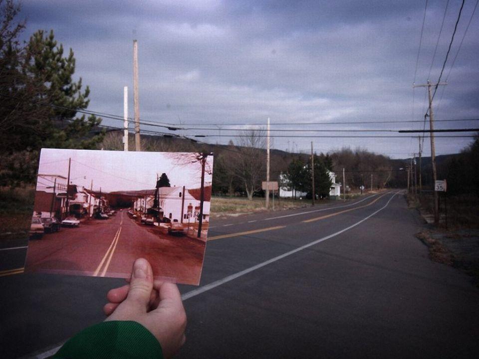 Сентрейлия - город в США, который постоянно горитСентрейлия - город в штате Пенсильвания, США, построен прямо на залежах антрацита — одного из лучших сортов угля.Угольно-антрацитовая промышленность являлась основным производством. Она продолжала функционировать в Сентрейлии до 1960-х, пока большинство компаний не вышло из бизнеса. Горная промышленность, основанная на шпуровых шахтах, продолжала функционировать до 1982 года. Открытая разработка в этой области всё ещё продолжается, а на шахте, что в пяти километрах к западу от города, работает около 40 человек.В 1979 году местные жители узнали истинный масштаб проблемы, когда владелец бензозаправки вставил щуп в один из подземных резервуаров, чтобы проверить уровень топлива. Когда он вынул щуп, он оказался очень горячим — температура бензина в резервуаре была около 78 °C.Когда в 1982 году улицы города стали похожи на горячие источники — глубокие трещины извергали клубы дыма, местные власти приняли решение об эвакуации всех жителей и закрытии города. Большинство жителей согласились покинуть свои дома. Некоторые, однако, остались…До сих пор в Сентрейлии живут семь человек. Это город с самым маленьким числом жителей во всей Пенсильвании.При этом огонь в Сентрейлии не отступает и сегодня. Подсчитано, что залежи антрацита могут гореть еще … в течение 250-ти лет.История города и его внешний вид сделали его прототипом самых зловещих мест во многих фильмах ужасов. Самый известный из них — это «Сайлент Хилл».