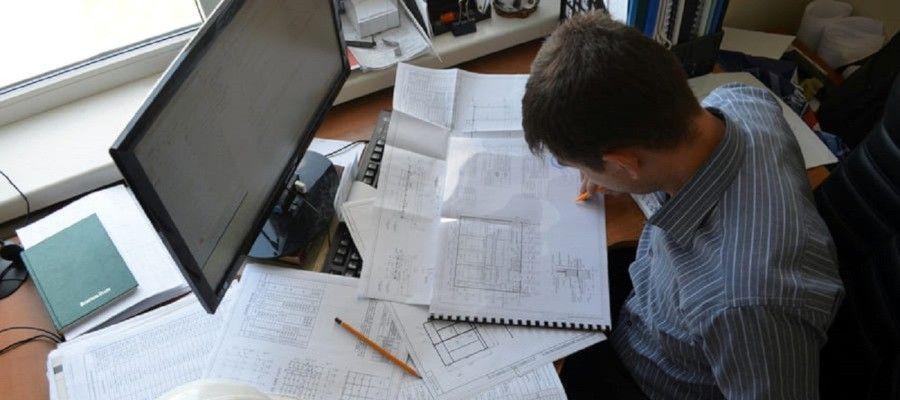 ПОДГОТОВКА ПРОЕКТНОЙ ДОКУМЕНТАЦИИСуществуют определенные требования к разработчику проектной документации. Разработкой проектно-технической документации занимаются профильные специалисты, обладающие необходимым багажом знаний и специальными навыками, позволяющими грамотно осуществить подготовку проектной документации и всего необходимого пакета документов. Как правило, у застройщиков и подрядчиков нет в штате специалиста, способного осуществить данную работу на высоком уровне. Поэтому они часто пользуются разработкой документации сооружений сторонних организаций, имеющих специальный допуск.Стоимость при этом, будет не очень высокой, поэтому сотрудничество с профессиональными проектировщиками не грозит крупными финансовыми тратами. Помимо этого, заказчик получает документацию оперативно и с гарантией качества результата. При обращении в специализированные организации, разработка проектной документации производится с исключением появления ошибок. Только инженеры способны исполнить данную работу верно, и тем самым сделать процесс строительства максимально безопасным, разрабатывая типовые проектные решения.Кроме уполномоченного органа, на любом этапе разработки проектной и рабочей документации, а также проектно-сметной документации на строительство могут привлекаться физические лица, имеющие подходящую компетенцию (например, инженеры).Технология создания документов проекта может незначительно отличаться из-за специфики объекта (также могут отличаться виды проектной документации), но порядок выполнения данных работ, всегда сохраняется согласно техническому заданию и включает три этапа. Состав работ на стадиях проектирования:- Предпроект, на котором происходит создание архитектурно-планировочного задания, описываются сведения для проектов. На этом этапе проектирования и подготовки осуществляют работы по выбору участка для строения с применением соответствующих методик инженерных изысканиях. Первый этап включает текстовую информацию и позволяет определить назначение объект