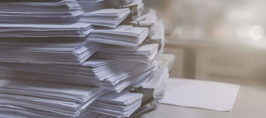 ЭКСПЕРТИЗА ПРОЕКТНОЙ ДОКУМЕНТАЦИИГлавная задача экспертизы – объективное выявление недостатков (отсутствие или неполнота сведений, описаний, расчетов, чертежей, схем и ошибок, допущенных на стадии разработки проектной документации. Малейшие неточности в проекте могут спровоцировать серьезные потери уже в процессе реализации данного проекта.Экспертиза проектной документации проводится с целью оценки ее соответствия требованиям технических регламентов, в том числе санитарно-эпидемиологическим, экологическим требованиям, требованиям государственной охраны объектов культурного наследия, требованиям пожарной, промышленной, ядерной, радиационной и иной безопасности, а также результатам инженерных изысканий.Экспертиза результатов инженерных изысканий проводится с целью оценки соответствия результатов инженерных изысканий требованиям технических регламентов, а также техническому заданию на проведение инженерных изысканий.Таким образом, экспертиза проектной документации и результатов инженерных изысканий призвана обеспечить безопасность на этапе строительства и эксплуатации объекта капитального строительства.Основных стадии подготовки проектной документации:• Разработка эскизного проекта. Производится для получения исходно-разрешительной документации.• Разработка непосредственно проекта строительства. Основной этап планирования строительных работ.• Подготовка рабочей документации – всех бумаг, необходимых для проведения строительных и монтажных мероприятий.• Подготовка рабочего проекта. Эта стадия совмещает в себе две предыдущих. Совмещение второго и третьего этапов возможно при проектировании простых объектов. При планировании больших сложных зданий или сооружений подготовка рабочей и проектной документации проводится отдельно и последовательно.Государственная экспертиза проводится на втором этапе – при подготовке комплекта проектных документов. Негосударственная экспертиза может быть осуществлена на любом этапе подготовки документации – в зависимости от предмета исследован