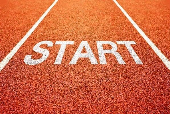 10 дней, которые изменят Вашу жизнь.<br /><br />Небольшие испытания, пройдя которые вы всего за месяц полностью измените свою жизнь<br /><br />Мы – то, что постоянно делаем.<br />И совершенство – не действие, а привычка.<br />~ Аристотель<br /><br />Ученые давно предположили, что для тех, у кого есть хотя бы немного силы воли, нужно примерно 30 дней на то, чтобы сформировать новую привычку. Как и в любом другом новом деле, самое главное в этом – начать, и преодолеть первые неловкие шаги. Это – 80%25 успеха. Именно поэтому так важно вносить небольшие, но позитивные изменения в свою жизнь на протяжении хотя бы 30 дней.<br /><br />Вы ведь слышали старую поговорку: «Как съесть слона? По кусочку за раз»? То же относится и к изменению собственной жизни. Пытаясь откусить больше, чем вы способны проглотить, вы лишь подавитесь. Но откусывая понемногу за раз – к примеру, начав чуть здоровее питаться, чуть больше заниматься спортом, слегка реорганизовав свой рабочий процесс – вы и сами не заметите, как слон окажется проглочен, а цель — достигнута.<br /><br />Кроме того, для этого вам не понадобится огромной и несгибаемой силы воли. Одно лишь то, что вы начали что-то делать, даст вам нужный толчок, и вскоре вы поймете, что обрушили лавину – одно изменение будет следовать за другим с такой скоростью, что ваш глаз просто не будет за ними поспевать. И когда я начал это делать со своей жизнью, мне это так понравилось, что я решил поделиться своим опытом с миром.<br /><br />Ниже вы найдете 30 испытаний, которые вполне можно завершить за срок в 30 дней. Готов засвидетельствовать – у каждого из них есть потенциал для создания новой положительной привычки в вашей жизни. Да, некоторые из них слегка перекрывают друг друга. И нет, вы не обязаны браться за все 30 испытаний одновременно. Лучше выберите для следующих 30 дней от 2 до 5 испытаний – зато уж за них возьмитесь со всей душою. И как только вы с ними полностью освоитесь, выберите для себя несколько других на следующий месяц.<br /><b
